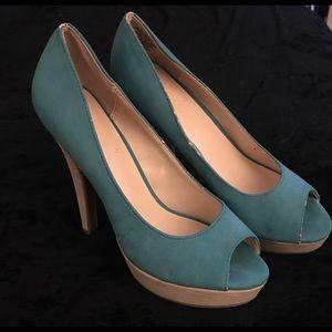 Elle turquoise/cream peep toe platform heels NWOT